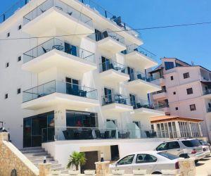Hotelet ne Ksamil