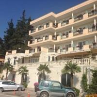 gold_hotel.jpg